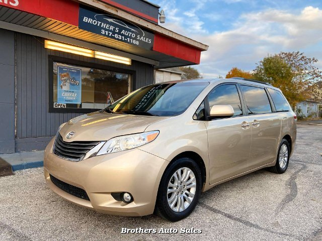 2014 Toyota Sienna XLE FWD 8-Passenger V6 5-Speed Automatic